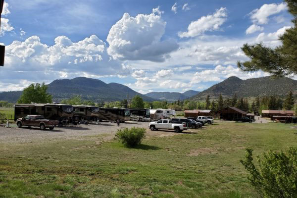 Chinook Cabins RV Park Photo